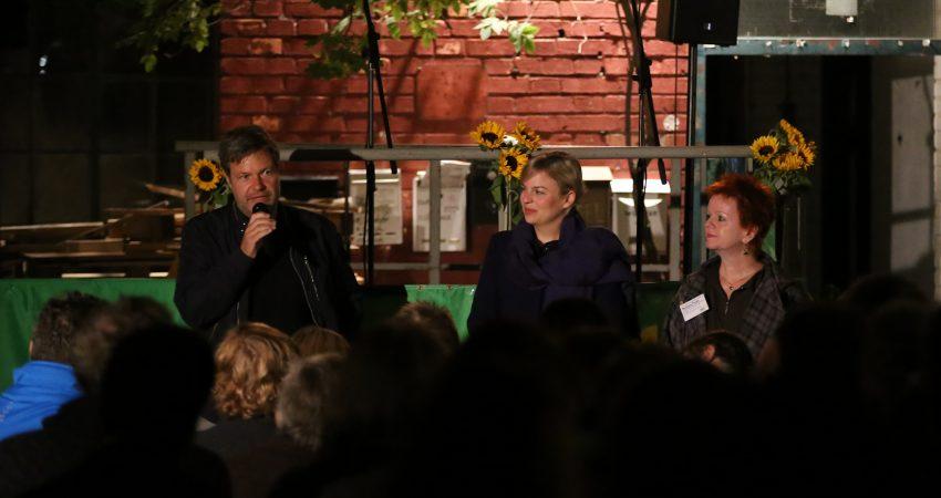Mit Robert Habeck und Katharina Schulze in der Kofferfabrik